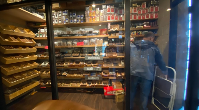 Lounge Review: Dallas Cigars